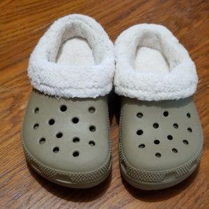 Kids slip on crocs taupe